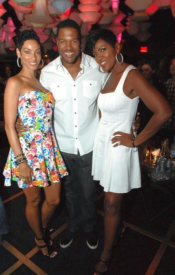 Nicole Murphy, Michael Strahan and Yolanda Braddy at Blush Boutique Nightclub