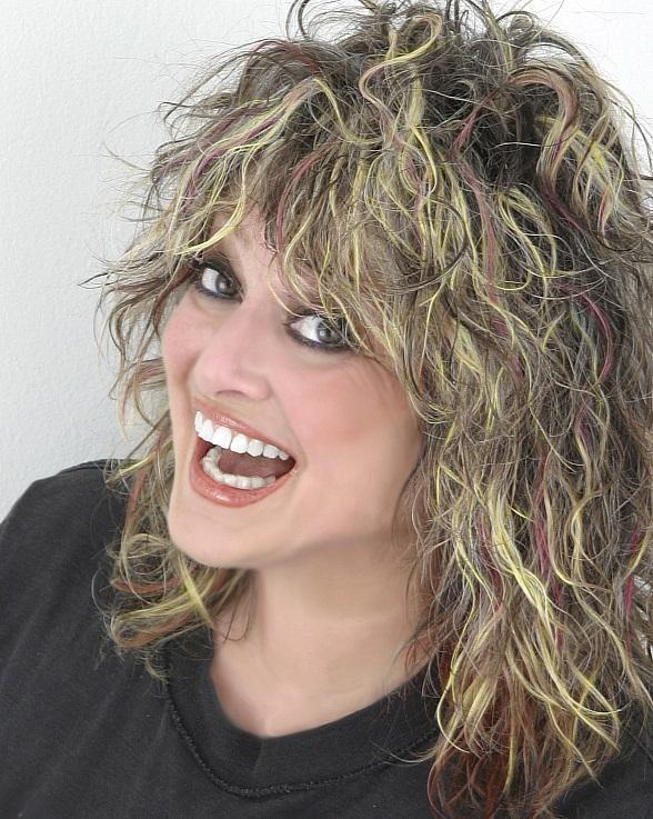 "Fremont Street Experience Hosts ""Nina Blackwood's Absolutely 80s"" Summer"