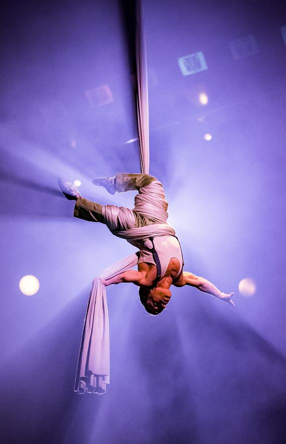One Night for One Drop 2017 performer Alan Silva performs astounding aerial Tissu act