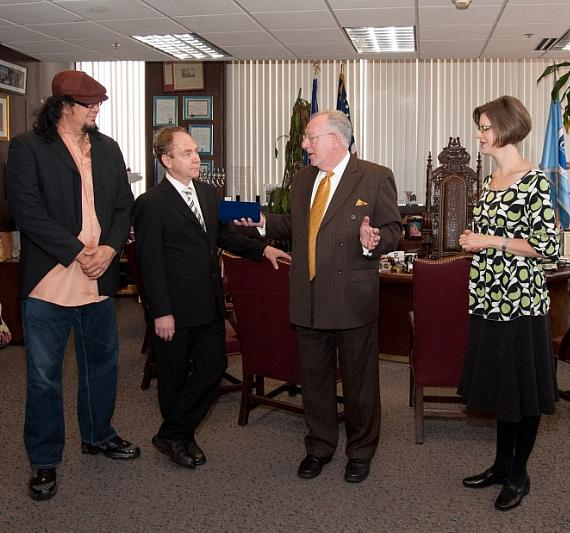 Penn & Teller with Mayor Oscar Goodman and Jennifer Morss