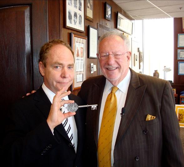 Teller with Mayor Oscar Goodman