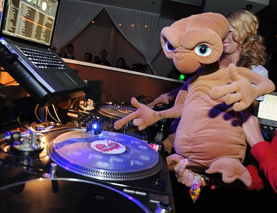 "E.T. at PURE Nightclub's ""Back to the 80s"""