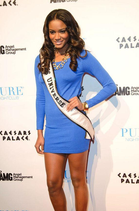 Miss Universe Leila Lopes at PURE Nightclub