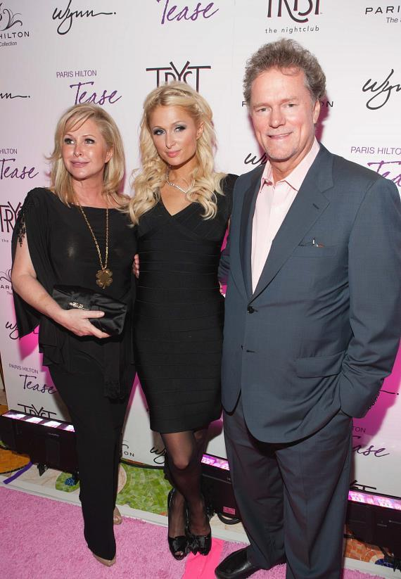 Paris with her parents, Rick and Kathy Hilton at Tryst