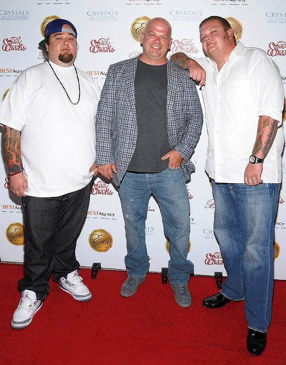 "Harrison, his son Corey ""Big Hoss"" Harrison and ""Pawn Star"" co"