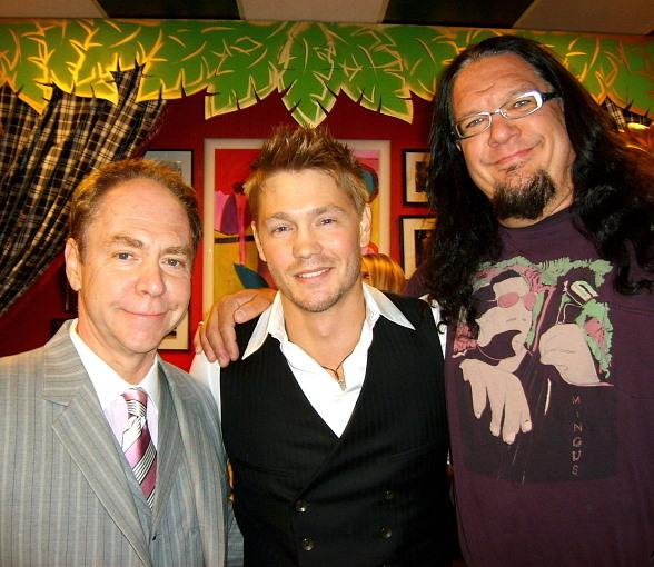 """One Tree Hill"" star Chad Michael Murray visits with magic stars Penn & Teller"