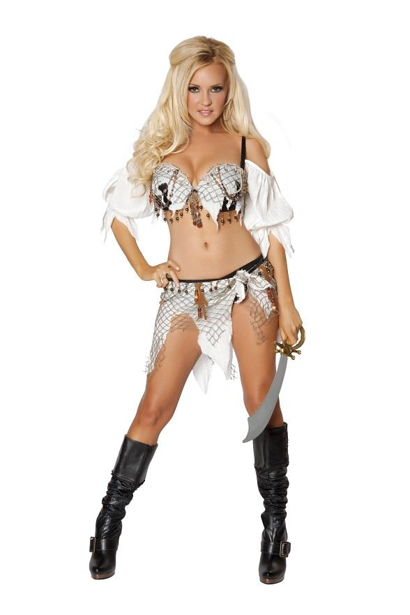Bridget Marquardt in Pirate costume