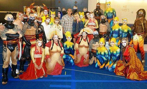 Jaime Pressly and boyfriend Hamzi Hijazi (center) with cast of KÀ by Cirque du Soleil