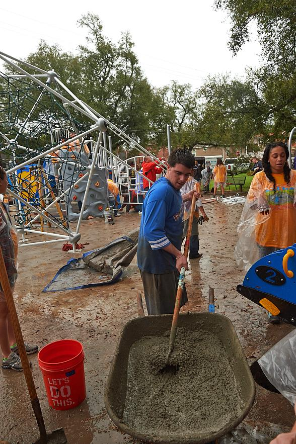 200 Volunteers Improve Las Vegas Kids' Lives & Futures with New Playground at Palabra Viva