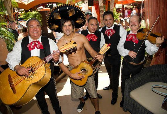 Ricardo Laguna with mariachis at TAO Beach