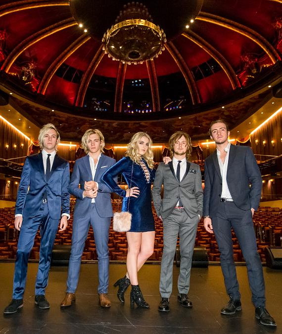 Riker, Ross, Rydel, Ratliff and Rocky in The Venetian Theatre