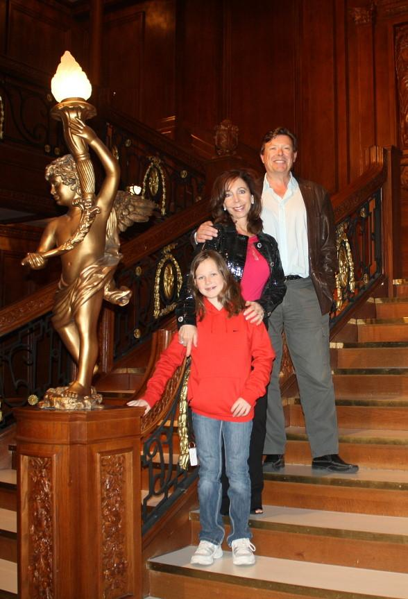 Rita Rudner with husband, Martin Bergman and daughter, Molly Bergman
