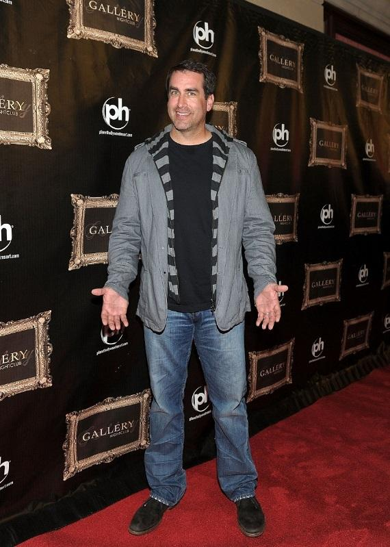 Rob Riggle poses on the red carpet at Gallery Nightclub