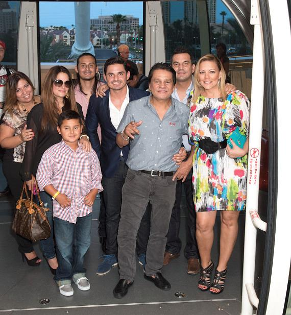 Roberto Duran with friends and family