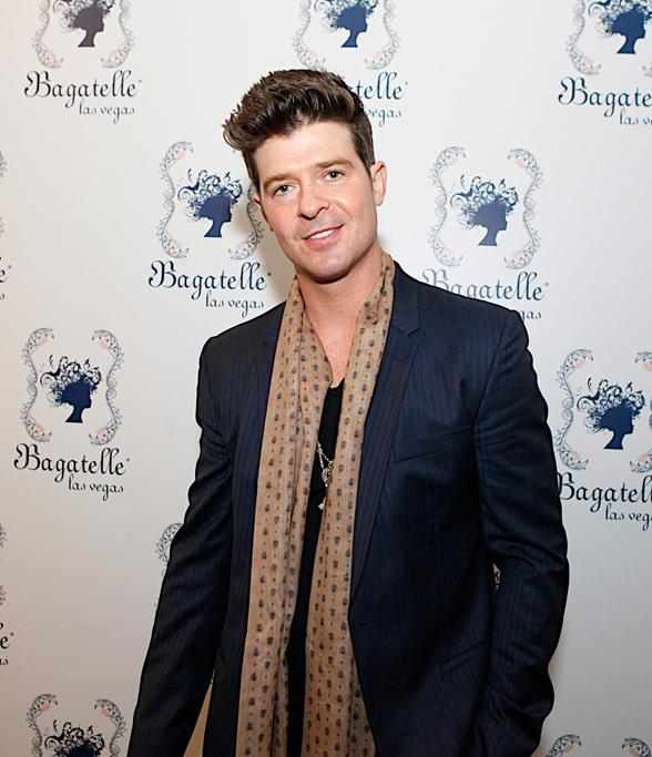 Robin Thicke at Bagatelle LV NYE Gala