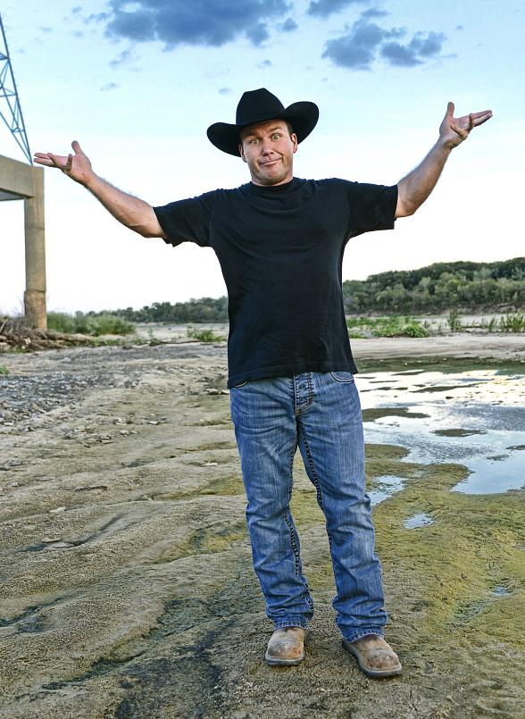 "Rodney Carrington Returns to MGM Grand December 3-12 with ""Here Comes the Truth"" Tour"