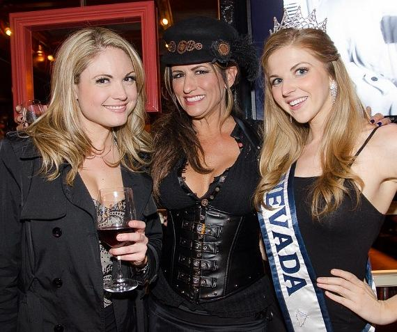 Roni Fields-Moonen, Miss Nevada and friend