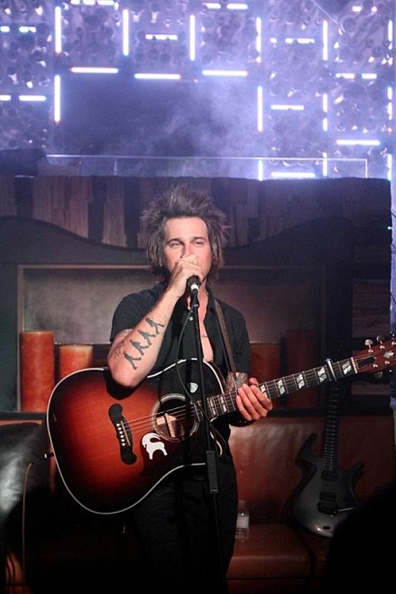 Ryan Cabrera performs acoustic set at Hyde Bellagio, Las Vegas