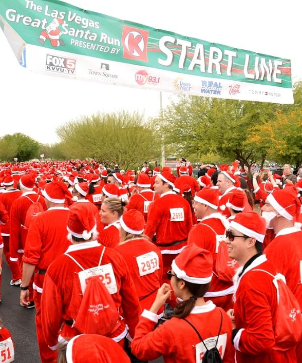Santas starting the race