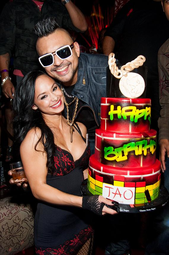 Sean Paul with cake at TAO