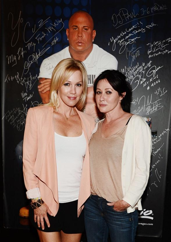90210 stars Jennie Garth and Shannen Doherty at Martorano's at Rio