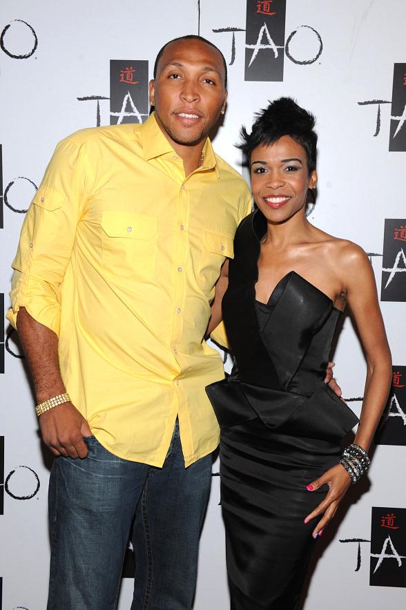Shawn Marion and Michelle Williams on TAO red carpet