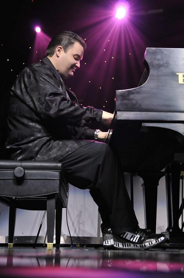 Ryan Ahern, Star of Piano! Las Vegas