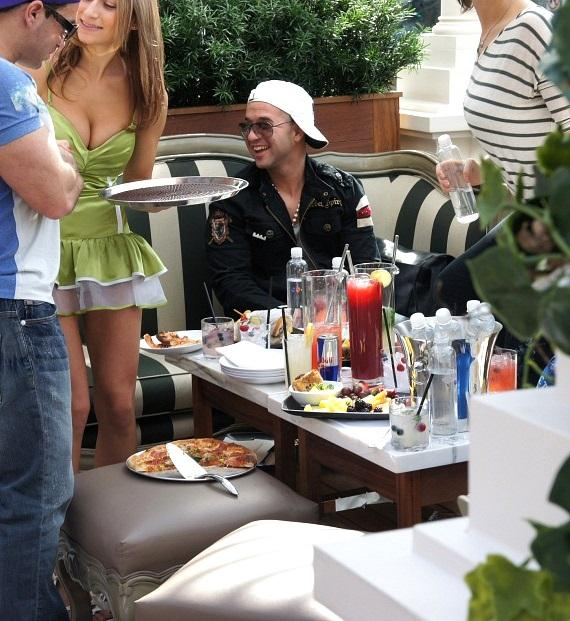 """Mike """"The Situation"""" Sorrentino at The Chateau Beer Garden"""