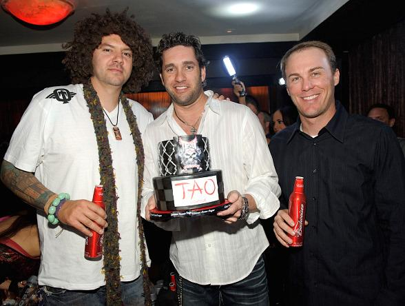 Skyskrape, Elliot Sadler and Kevin Harvick at TAO