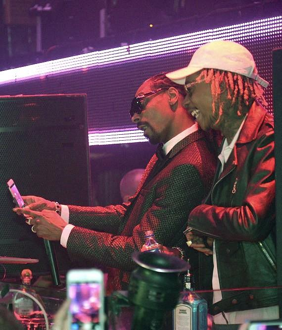 Snoop Dogg and Wiz Khalifa take a selfie at TAO