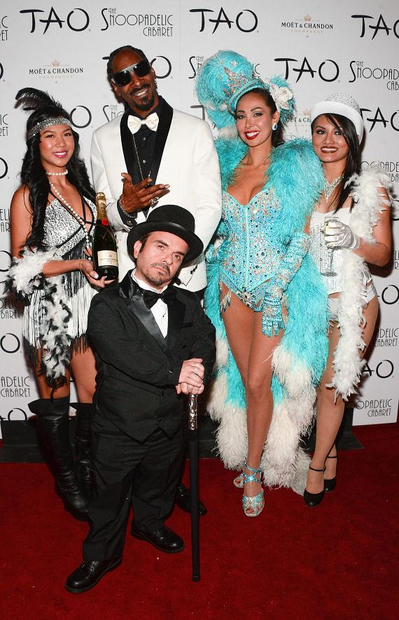 Snoop Dogg with Burlesque Star Kalani Kokonuts (in blue) and the Snoopadelic Cabaret Cast