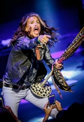 "Steven Tyler kicks off his Highly Anticipated ""Out On A Limb"" Solo Tour at The Venetian Las Vegas"