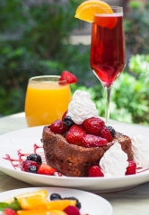 Enjoy Daily Brunch at Sugar Factory American Brasserie Las Vegas