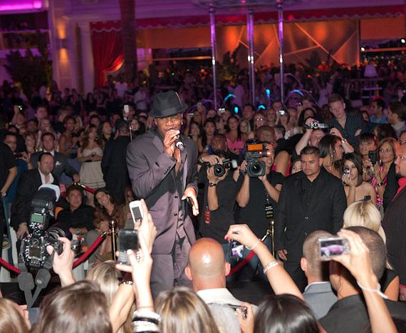 Ne-Yo at Surrender Nightclub