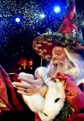 """Medieval Merriment: Tournament of Kings Shares in the Spirit of the Season with the Return of Holiday-Themed Show """"Twas' the Knight"""" Nov. 22 – Dec. 28"""