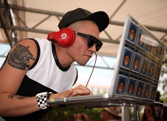 Taboo spins to thousands of dayclubbers while celebrating his birthday at Palms Pool in Las Vegas