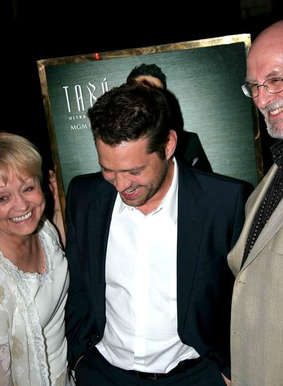 Jason Priestley and parents at Tabu
