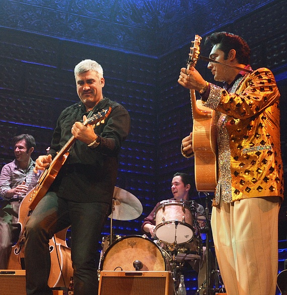 Taylor Hicks Jams with Million Dollar Quartet