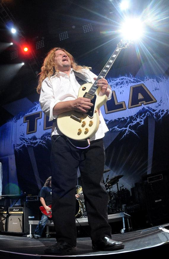 Tesla performs at the Thomas & Mack Center in Las Vegas