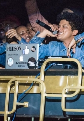 Bruno Mars Hosts Unforgettable Night at The Bank Nightclub