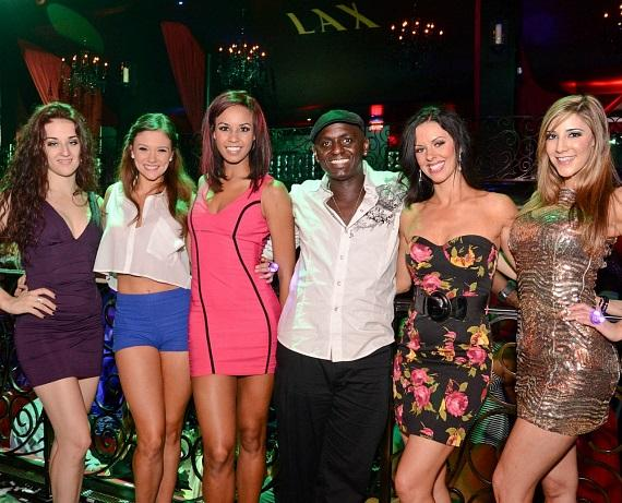 The FANTASY ladies with FANTASY comedian Sean E. Cooper at LAX Nightclub
