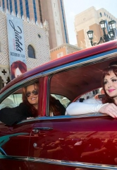 "The Judds Cruise into The Venetian Las Vegas in Classic '57 Chevy for ""Girls Night Out"""