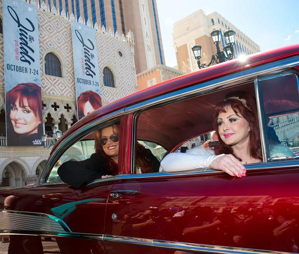 The Judds Cruise into The Venetian Las Vegas in Classic '57 Chevy for