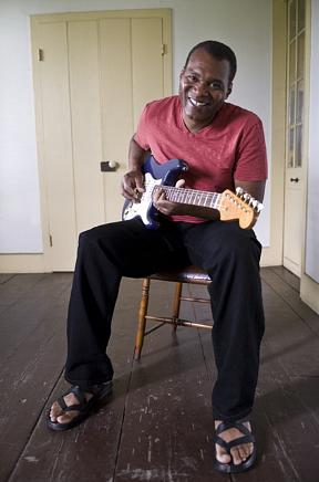 Bluesmen The Robert Cray Band to Perform at The Orleans Showroom April 14-15