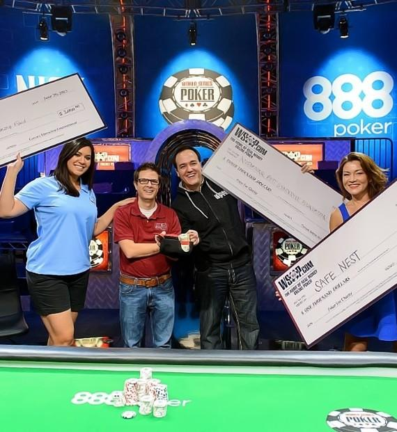 Christine Maddela, Jon Castagnino, Shawn Tempesta and Vicki Gonzalez show off their Battle of the News winnings