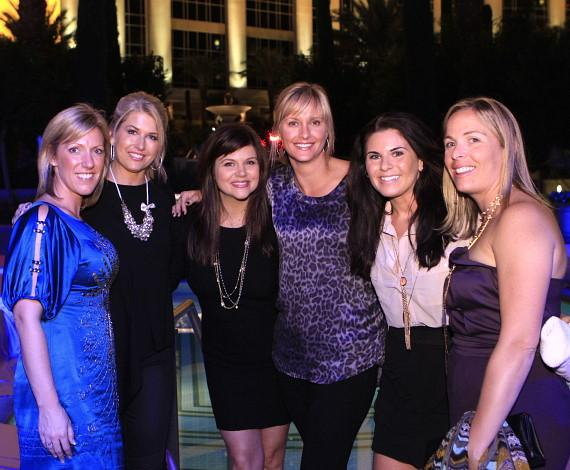 Tiffani Thiessen posing with fans