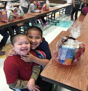Todd English P.U.B. Donates Thanksgiving Feast Fit for Kings to Communities In Schools of Nevada Families