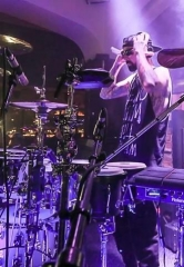 Travis Barker Kicks Off the New Year at Hyde Bellagio, Las Vegas