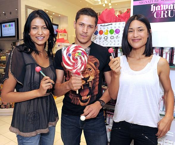 "The ""Twilight"" wolf pack indulges in Sugar Factory sweets"