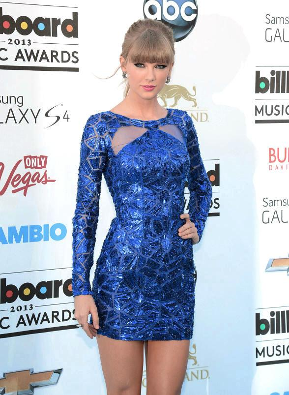 2013 Billboard Music Award Arrivals – Photos of Taylor, Selena, Ke$ha, Shania, JLo, Avril, Miley, Audrina and More!